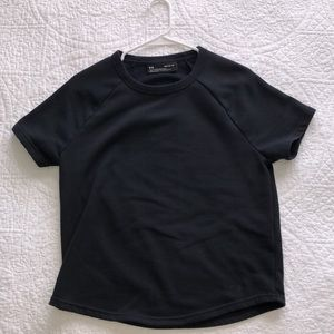 Under Armour Tee. Size M.